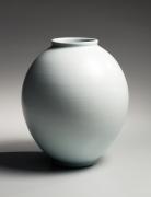Yamada, Hikaru, Yamada Hikaru, ovoid, vessel, tsubo, vase, raised, mouth, low, foot, 1980, contemporary, modern, sodeisha, avant-garde, ceramics, Japanese, Japanese ceramics, Japan, pottery, clay, porcelain, glazed