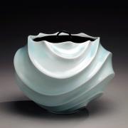 Ono Kotaro, Globular seihakuji celadon-glazed water jar, 2009, Glazed porcelain and lacquer lid, Japanese contemporary ceramics