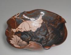 WAKAO TOSHISADA (b. 1933), Nezumi-shinobowl with lotus patterning