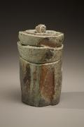 Fujioka Shuhei (b. 1947), Lidded, columnar water storage jar with carved surface