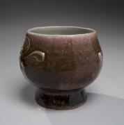 Kawai Kanjirō (1890-1966), Shinsha-glazed teabowl with floral trailing slip decoration