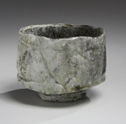 Tanimoto Kei (b. 1948), Straight-sided Iga-teabowl with irregular mouth and extensive kiln effect