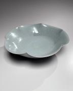 Kawase Shinobu (b. 1950), Celadon-glazed scalloped bowl