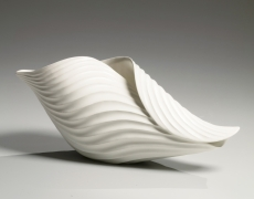 Inaba Chikako (b. 1974), Horizontal ribbed, curled leaf-shaped sculptural vessel with
