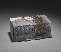 Gray (nezumi) shino type rectangular lidded tōbako (box) with camellia decoration and gold glazing