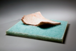 Ogawa Machiko, Clear, blue glass-glazed platter with curled ceramic shard afloat the glaze, 2004. Stoneware and glass glaze, Japanese modern, contemporary, ceramics, sculpture