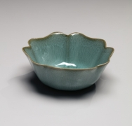 Kawase Shinobu (b. 1950), Kingfisher celadon-glazed sake cup with foliated rim