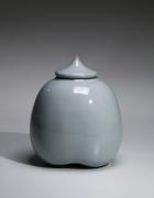Kawase Shinobu (b. 1950), Small lobed celadon jar with pointed cover