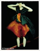 """Theresa Stewart pour """"Issey Miyake"""", 1995, 29-1/8 x 22-1/2 Color Carbon Photograph, Ed. 15"""