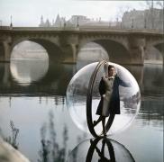 Bubble on Seine Kick II, Paris (Color), 1963