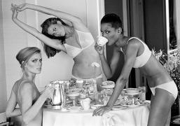 Patti Hansen, Lisa Taylor, and Beverly Johnson, San Francisco, CA, Vogue, 1976