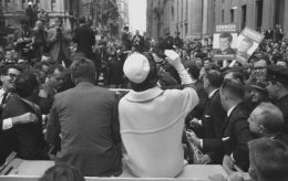 Jacqueline and John Kennedy (from back), New York City, 1960, Silver Gelatin Photograph