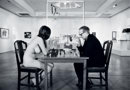 Julian Wasser Marcel Duchamp PlayingChess with a Nude (Eve Babitz), 1963
