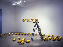 Olaf Breuning, A Group of Unstable Lemon Pigs, 2005. 72 pigs, styrofoam. MP 24