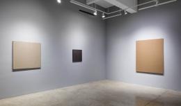 Installation view of Kim Tschang-Yeul: New York to Paris at Tina Kim Gallery, 2019, New York