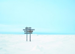 Proposition 3, Sign, Churchill River, Hudson Bay, Manitoba, (temporary sculptural installation) (2007)