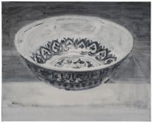 SHI ZHIYING 石至莹 Blue and White Porcelain Bowl with Arabic Inscription 青花阿拉伯纹碗, 2013 Oil on canvas 16 3/16 x 20 1/8 in. (42 x 52 cm)