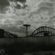 Stephen Salmieri, Coney Island, NY, 1969, vintaage geltin silver print, 7 x 7 inches