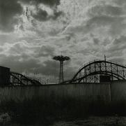 Stephen Salmieri, Coney Island, NY, 1969, vintaage geltin silver print, 7 x 7 inches