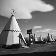Teepee Motel, 1975