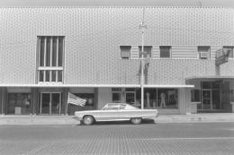 Earl Iversen Flag and Car, Kansas