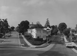 Bevan Davies, Holmby Avenue, Los Angels