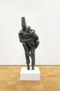 Juan Muñoz Piggyback (Caucasian Piggyback on Chinese), 1997 bronze