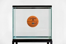 Jeff Koons, One Ball Total Equilibrium, 1985