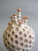 Chris Garofalo, koralo de sfera lotuso, 2017, Porcelain with underglaze