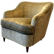 Club Chair in the Style of a Classic Italian Design