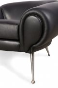 Black Leather Lounge Chair by Illum Wikkelsø, Close Up 1