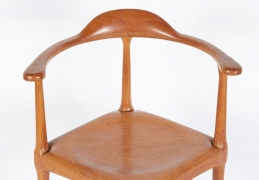 Vintage Model of Danish Mid-Century Corner Chair, Close Up