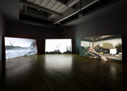 Hiraki Sawa, O, 2009, multi-channel video installation (color, sound), monitors and spinning speakers, dimensions variable, 8 min.
