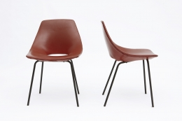 """Pierre Guariche's Set of 4 """"Tonneau"""" chairs front and side view of 2 chairs"""