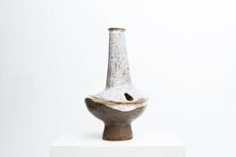 Juliette Derel's ceramic vase diagonal view