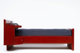 Jean Prouvé's daybed, side view