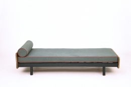 Jean Prouvé's daybed, full straight view from above