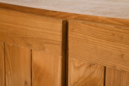 Maison Regain's sideboard, detailed view of wood