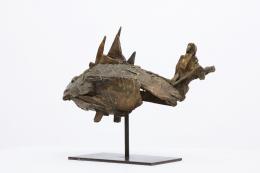 Algae Liberaki's bronze sculpture side view