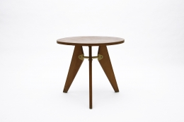 Jean Prouvé's pedestal table, full view from above