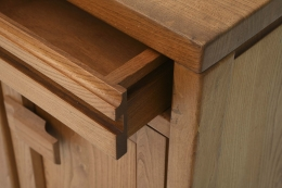 Maison Regain's sideboard detail of drawer