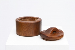 Alexandre Noll's wooden box with lid, view with lid off