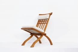 Robert Mallet-Stevens' foldable chair, full diagonal front view