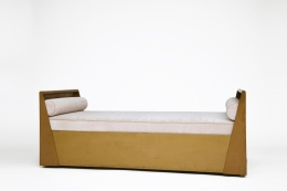 René Prou's daybed, full diagonal view