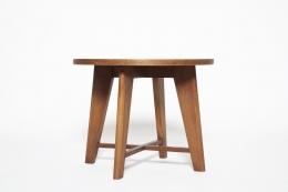 René Gabriel's pedestal table diagonal eye-level view