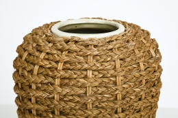 Audoux-Minet's vase, detailed view of top rim and wicker outside