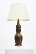La Borne's ceramic table lamp, full view with white lamp shade