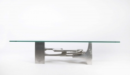 Gérard Mannoni's sculptural coffee table straight eye-level view