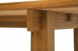 Charlotte Perriand's dining table, detailed view of legs