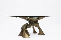 """Caroline Lee's """"La faiseuse d'amour"""" sculptural dining table straight view with glass top"""